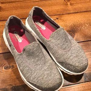 Women's Skechers Go Walk Original 9.5 W wide gray